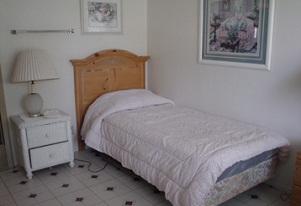 GoldenView-Bedroom.jpg