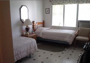GoldenView-Bedroom2.jpg