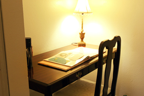 Palos-Verdes-Villa_Desk.jpg
